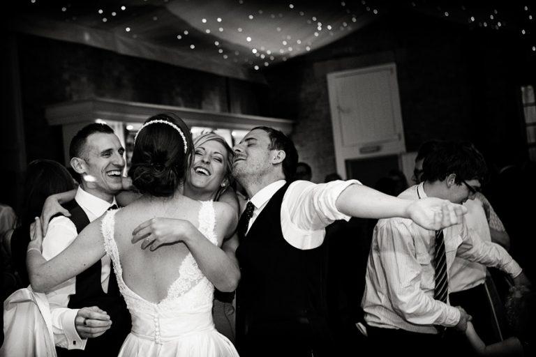 wedding-photography-dancing-at-weddings