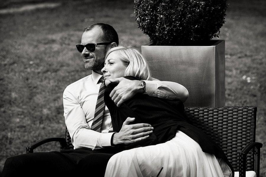 wedding guests cuddling